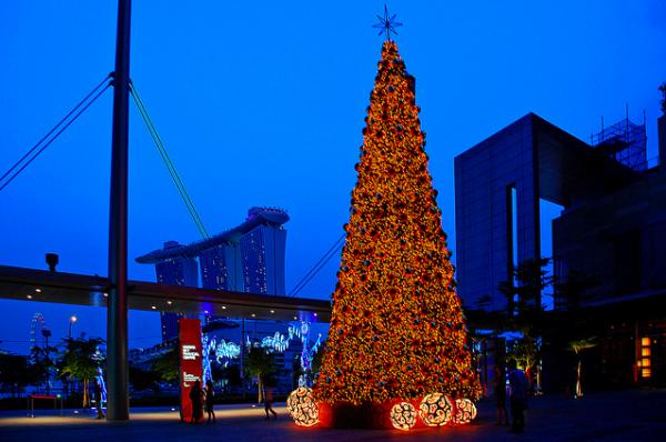 Marina Bay Financial Centre by chooyutshing on Flickr